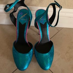 Brian Atwood 8.5 Shoes